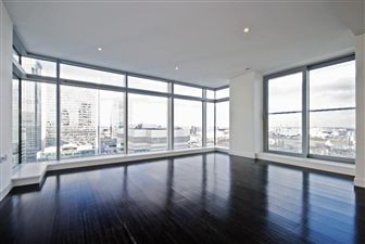 Property in Pan Peninsula, Canary Wharf, E14