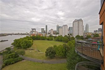 Property in New Atlas Wharf, E14