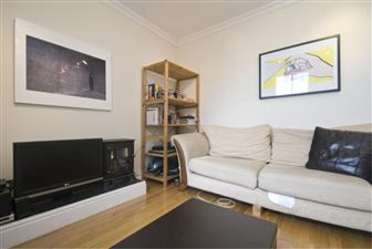Property in Oval Mansions, Kennington Oval, SE11