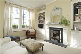 Property in Wardo Avenue, Fulham, London