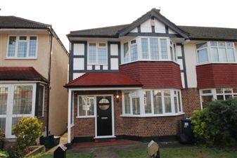 Property in Heatherset Gardens, Norbury, SW16 3LR