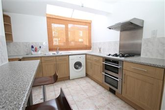 Property in Britannia Close, Clapham Park, SW4