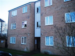 Property in Benyon Path, South Ockendon