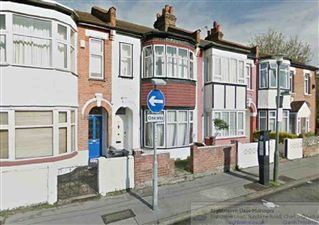Property image of home to let in Station Road, Bromley