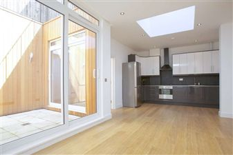 Property in Holloway Road, N7