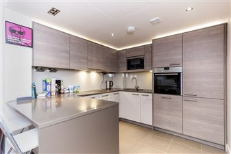 Property in Doulton House, Park Street, SW6