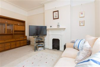 Property in Sinclair Mansions, Richmond Way, W12