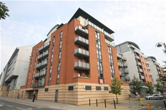 Property in Bloomfield Court, Leyton