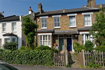 Property in Amity Grove, West Wimbledon