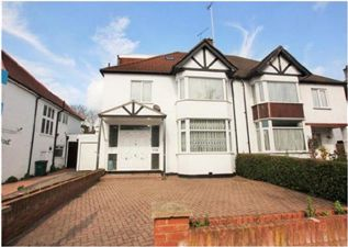 Property in Dunstan Road, NW11