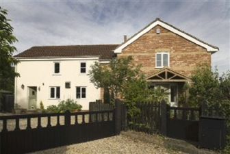 Property in River Bank House, Hardingham