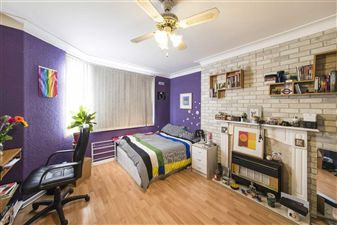 Property image of home to buy in Vale Court, London