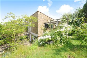 Property in Beckley Court, Beckley, Oxford