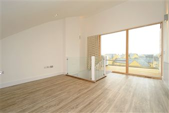 Property in Staple Court, Witney,