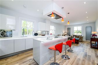 Property in Colney Hatch Lane, Muswell Hill