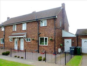 Property in Oak Tree Avenue, Auckley, Doncaster, DN9