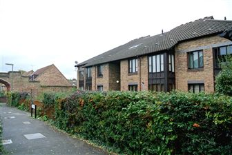 Property image of home to let in Gate Court, Gateway, Weybridge