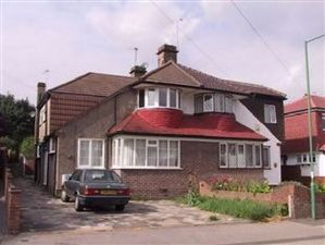 Property image of home to let in Windsor Drive, Dartford