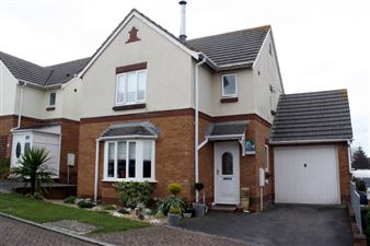 Property in Teacher  Close, Goosewell.